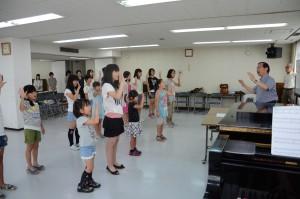 羽曳野市民会館での練習風景(羽曳野少年少女合唱団)